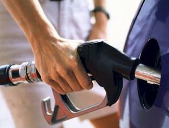 Governo brasileiro decide diminuir a mistura de etanol à gasolina